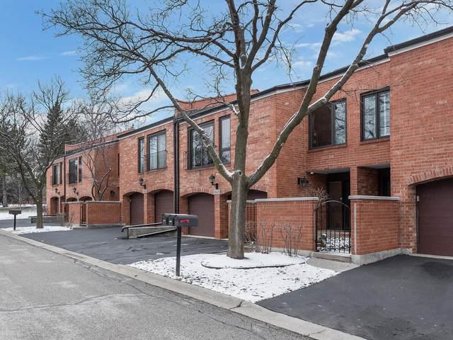 19W238 Gloucester Way N, Oak Brook, IL 60523 (MLS #10975353) :: Helen Oliveri Real Estate