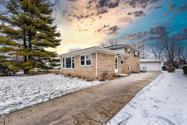 2765 S Craig Drive, Des Plaines, IL 60018 (MLS #10975647) :: Helen Oliveri Real Estate