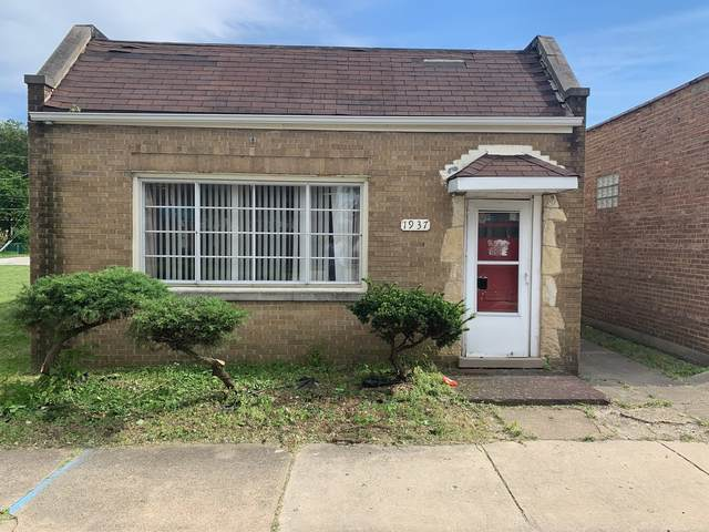 1937 170th Street, Hazel Crest, IL 60429 (MLS #10975723) :: Schoon Family Group