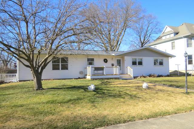 308 N 2nd Street N, Fairbury, IL 61739 (MLS #10976664) :: Jacqui Miller Homes