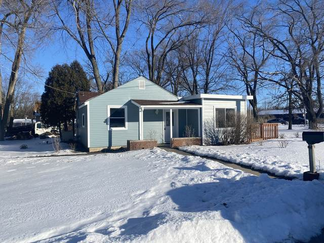 11816 Greenwood Avenue, Woodstock, IL 60098 (MLS #10977425) :: Janet Jurich