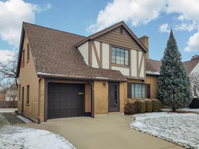 363 E Sherman Avenue, Elmhurst, IL 60126 (MLS #10977440) :: Helen Oliveri Real Estate