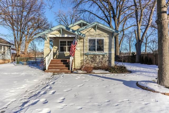 808 Center Street, Mchenry, IL 60050 (MLS #10977782) :: Helen Oliveri Real Estate