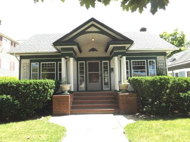 425 N Hough Street, Barrington, IL 60010 (MLS #10977813) :: The Wexler Group at Keller Williams Preferred Realty