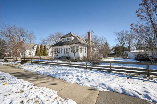 681 Pleasant Avenue, Glen Ellyn, IL 60137 (MLS #10977913) :: Schoon Family Group