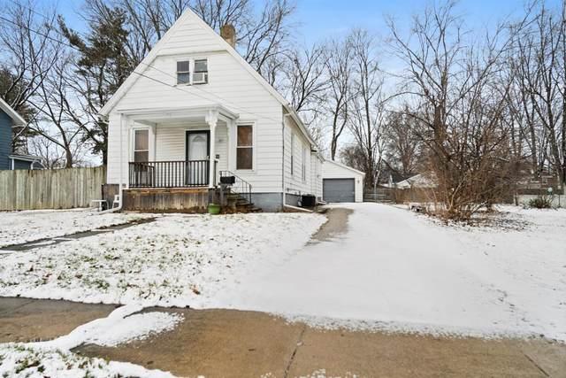106 E Poplar Street, Normal, IL 61761 (MLS #10978245) :: Jacqui Miller Homes