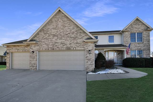 701 Thistlewood Country Club Court, Normal, IL 61761 (MLS #10980707) :: Jacqui Miller Homes