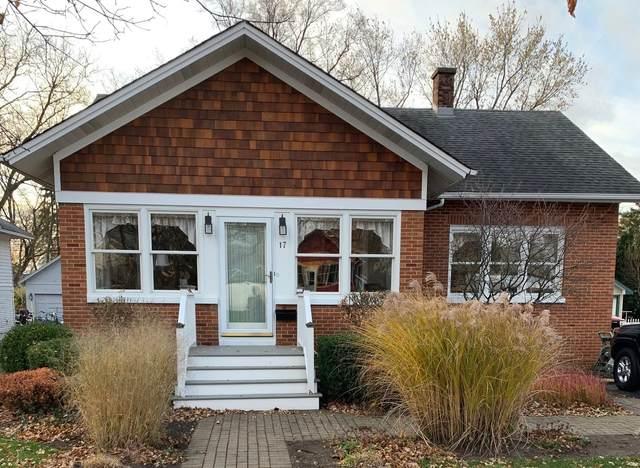 17 Esther Street, Crystal Lake, IL 60014 (MLS #10981174) :: Janet Jurich