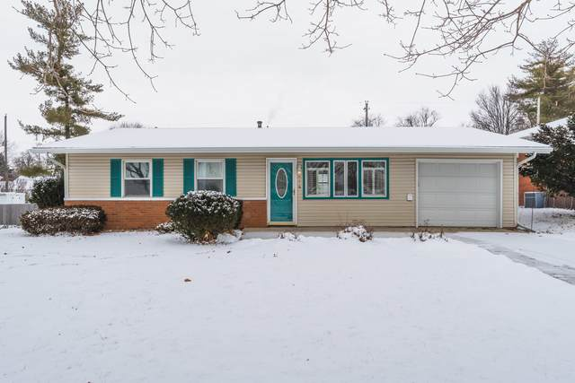 216 Robinhood Lane, Bloomington, IL 61701 (MLS #10991784) :: Jacqui Miller Homes