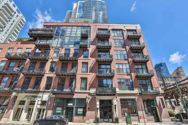 300 W Grand Avenue #403, Chicago, IL 60654 (MLS #10996990) :: The Perotti Group