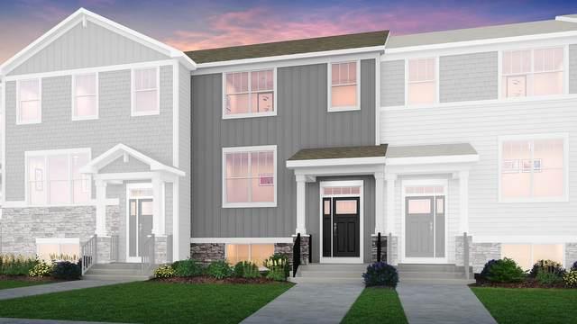2718 Fieldcrest Drive, Mundelein, IL 60060 (MLS #10997707) :: Helen Oliveri Real Estate