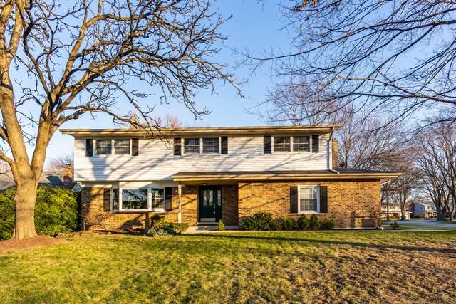6S465 Sussex Road, Naperville, IL 60540 (MLS #10999080) :: Jacqui Miller Homes