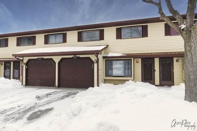 34102 White Oak Lane #34102, Gurnee, IL 60031 (MLS #11000726) :: Jacqui Miller Homes