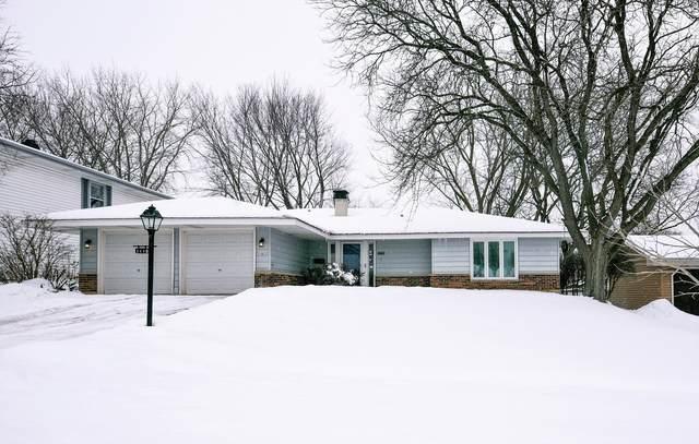 1110 Rosedale Lane, Hoffman Estates, IL 60169 (MLS #11001018) :: The Spaniak Team