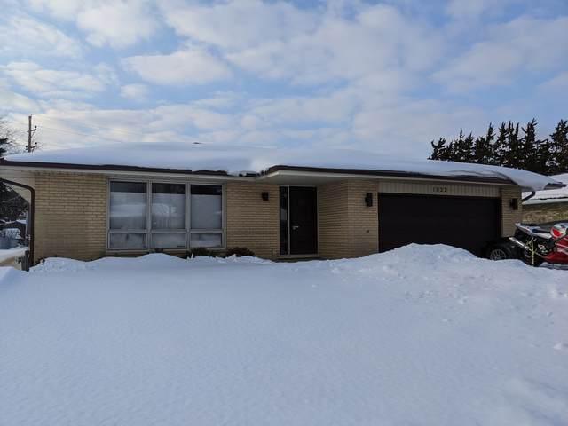 1822 N Andoa Lane, Mount Prospect, IL 60056 (MLS #11001147) :: Jacqui Miller Homes