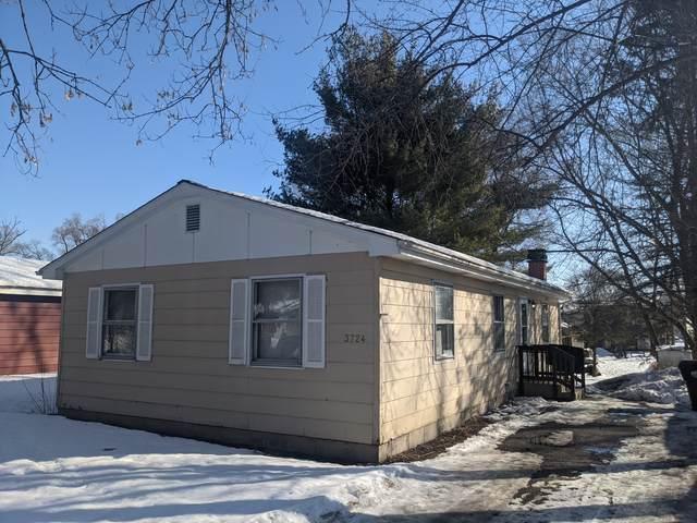 3724 Woodstock Street, Wonder Lake, IL 60097 (MLS #11003027) :: The Dena Furlow Team - Keller Williams Realty