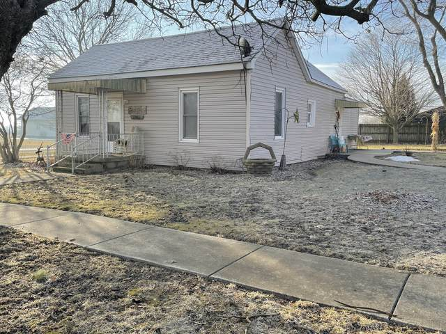 202 E 3rd Street, Hume, IL 61932 (MLS #11003877) :: Jacqui Miller Homes