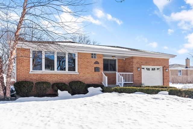 327 Hickory Drive, Itasca, IL 60143 (MLS #11004231) :: The Dena Furlow Team - Keller Williams Realty