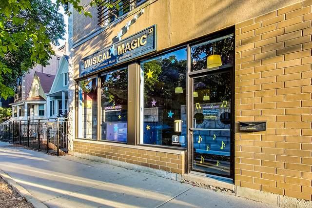 2255 W Roscoe Street C2, Chicago, IL 60618 (MLS #11004460) :: RE/MAX Next