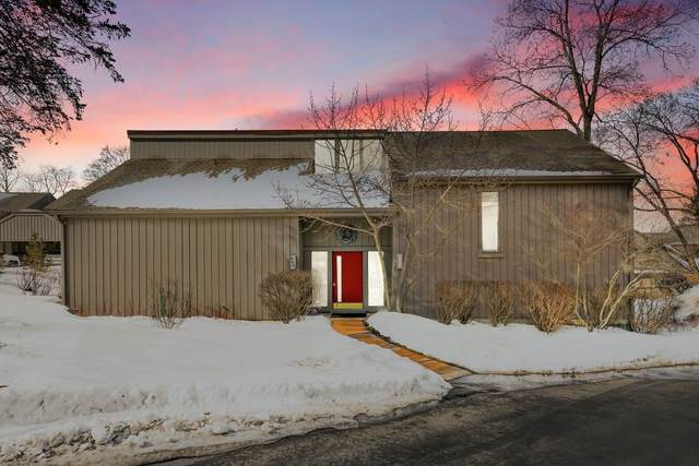 640 Old Barn Road A, Barrington, IL 60010 (MLS #11004619) :: Touchstone Group