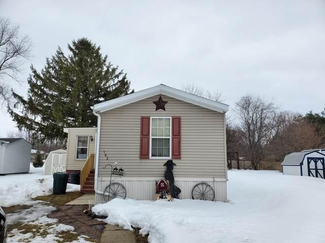 102 S Prairieland Court, Rochelle, IL 61068 (MLS #11004859) :: The Dena Furlow Team - Keller Williams Realty