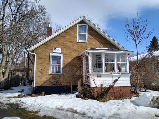 374 21st Street, East Moline, IL 61244 (MLS #11005422) :: Helen Oliveri Real Estate