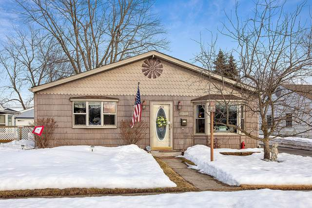 3221 Fairview Avenue, South Chicago Heights, IL 60411 (MLS #11005639) :: Jacqui Miller Homes