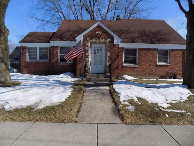 221 N Liberty Street, Elgin, IL 60120 (MLS #11005916) :: Suburban Life Realty