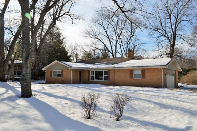 500 Riverside Drive, Crystal Lake, IL 60014 (MLS #11005971) :: Ani Real Estate