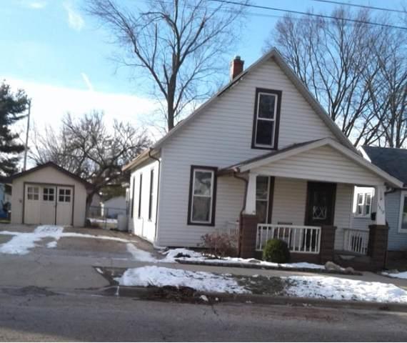 1512 W Locust Street, Bloomington, IL 61701 (MLS #11006432) :: Ani Real Estate