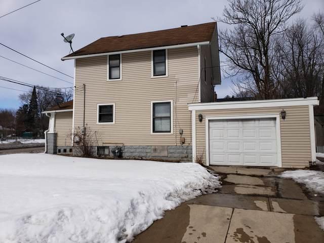 303 N Central Avenue, Rockford, IL 61101 (MLS #11006979) :: Helen Oliveri Real Estate