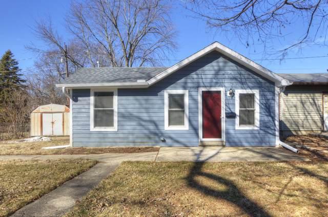 818 W Vine Street, Champaign, IL 61820 (MLS #11007756) :: Littlefield Group