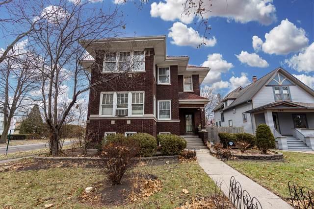 300 S Ridgeland Avenue, Oak Park, IL 60302 (MLS #11007935) :: Jacqui Miller Homes