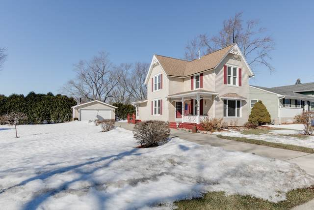 3715 Saint Johns Avenue, Johnsburg, IL 60051 (MLS #11008340) :: Jacqui Miller Homes