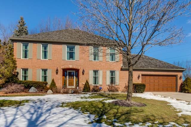 1100 Loyola Drive, Libertyville, IL 60048 (MLS #11008565) :: Jacqui Miller Homes