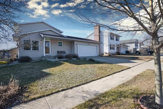 2723 Rocksbury Drive, Bloomington, IL 61705 (MLS #11008923) :: Suburban Life Realty