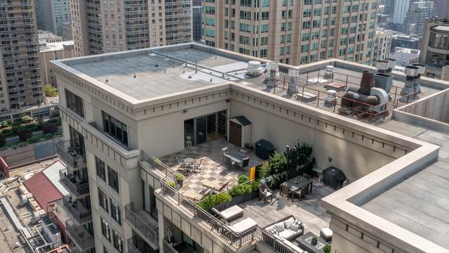 630 N State Street #2705, Chicago, IL 60654 (MLS #11009975) :: Ryan Dallas Real Estate