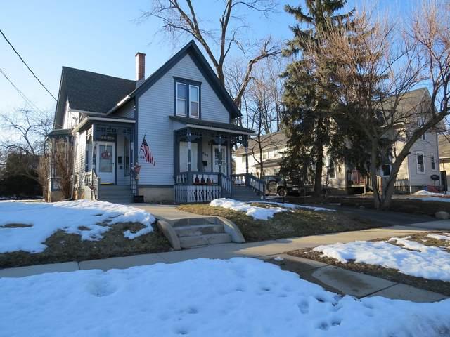 462 Ashland Avenue, Elgin, IL 60123 (MLS #11010650) :: The Dena Furlow Team - Keller Williams Realty