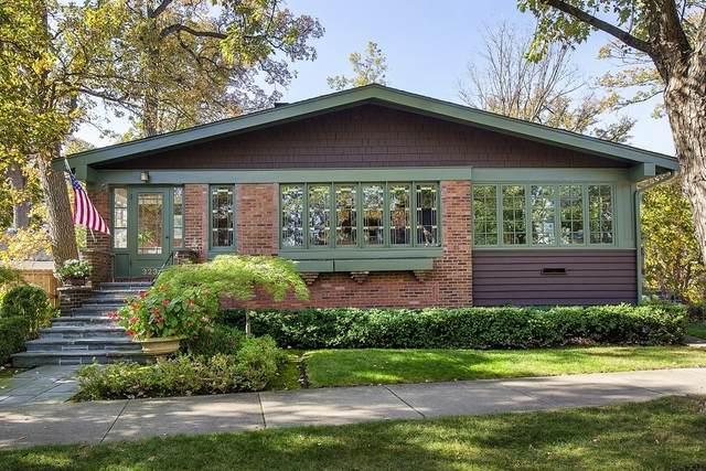 323 Oak Circle, Wilmette, IL 60091 (MLS #11010856) :: Charles Rutenberg Realty