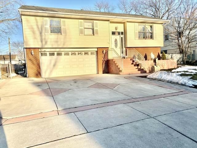 107 S Park Boulevard, Streamwood, IL 60107 (MLS #11012894) :: Suburban Life Realty