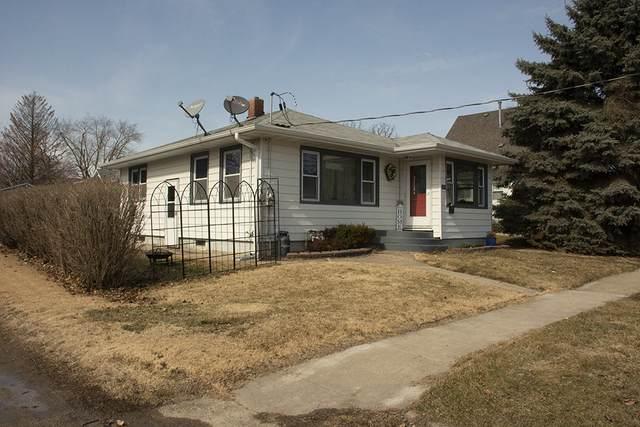 303 S Cherry Street, Morrison, IL 61270 (MLS #11014333) :: RE/MAX Next