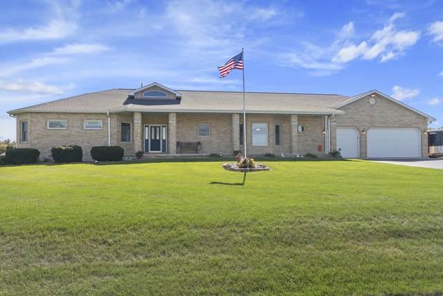 15606 Douglas Avenue, Sandwich, IL 60548 (MLS #11014681) :: Helen Oliveri Real Estate