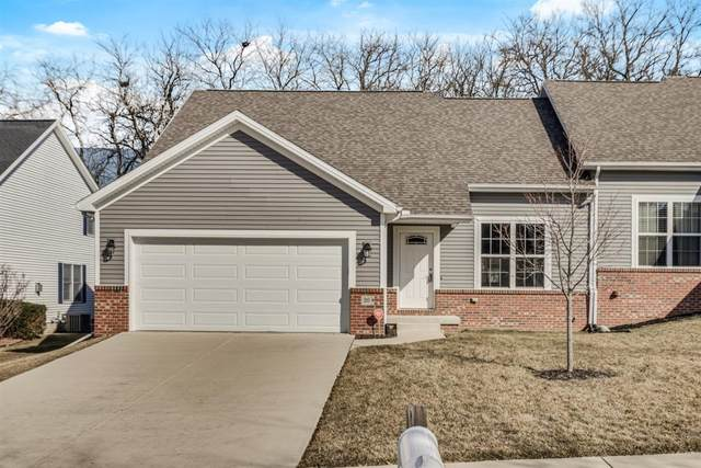 20 Lone Oak Court, Bloomington, IL 61705 (MLS #11015623) :: The Dena Furlow Team - Keller Williams Realty