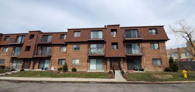 700 Cobblestone Circle E, Glenview, IL 60025 (MLS #11016866) :: Helen Oliveri Real Estate