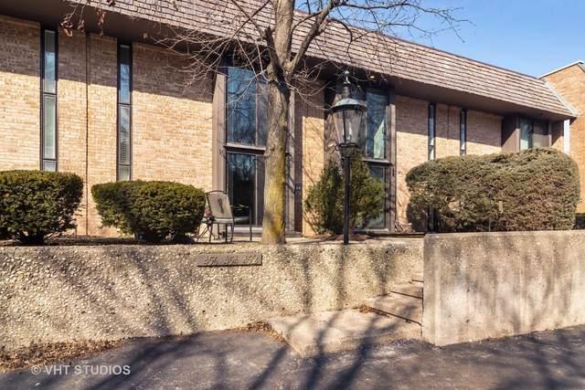 456 W Russell Street #456, Barrington, IL 60010 (MLS #11018073) :: Helen Oliveri Real Estate