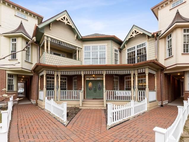 4137 Royal Mews Circle #303, Naperville, IL 60564 (MLS #11018795) :: John Lyons Real Estate