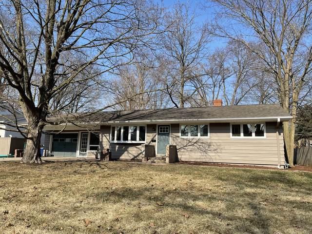 411 E Royal Drive, Dekalb, IL 60115 (MLS #11020971) :: Helen Oliveri Real Estate