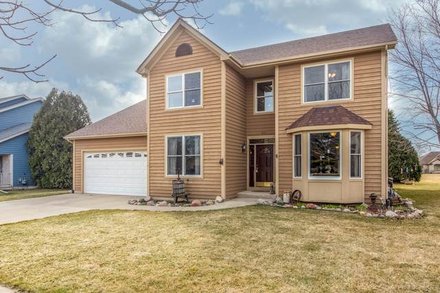 611 Prairie View Lane, Hinckley, IL 60520 (MLS #11030826) :: Helen Oliveri Real Estate