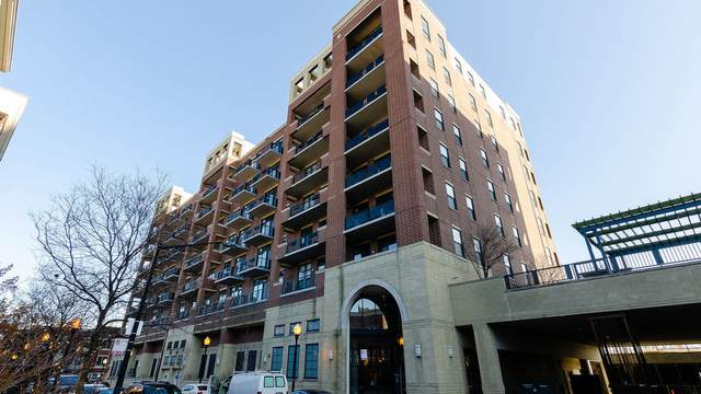 811 W 15th Place #701, Chicago, IL 60608 (MLS #11032082) :: The Spaniak Team