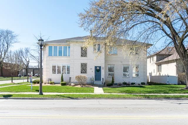725 E Cossitt Avenue, La Grange, IL 60525 (MLS #11034225) :: The Dena Furlow Team - Keller Williams Realty